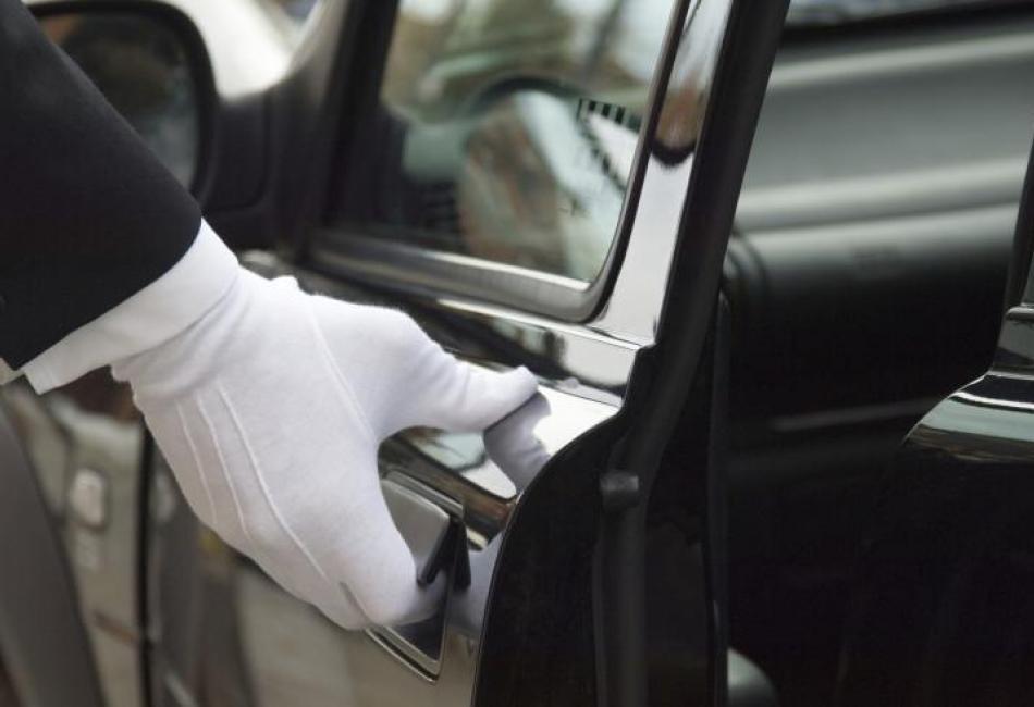 Ο Έλληνας χαμηλόμισθος «βγάζει» όσο ένας οδηγός στη Ν. Αφρική