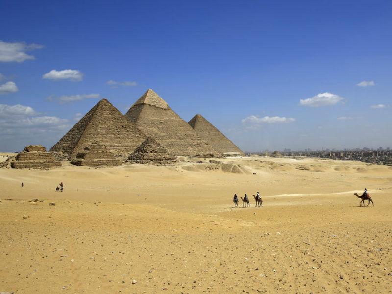 Ένα θαύμα της αρχαίας μηχανικής! Το μυστικό της σχεδόν τέλειας ευθυγράμμισης των πυραμίδων της Γκίζας