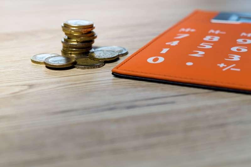 Στα 5.000 ευρώ απελευθερώνεται το όριο ανάληψης μετρητών