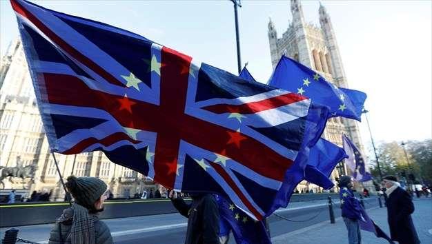 Brexit: Το «διαζύγιο» θα κοστίσει ορισμένα δισεκατομμύρια παραπάνω