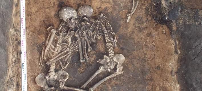 Επιστήμονες με επικεφαλής μια Ελληνίδα «διάβασαν» το DNA του αρχαιότερου βακτήριου της πανούκλας