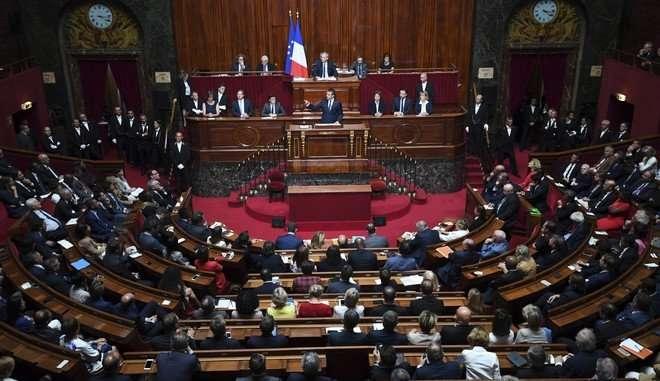 Γαλλία: Διαγράφεται από το Σύνταγμα η λέξη «φυλή»