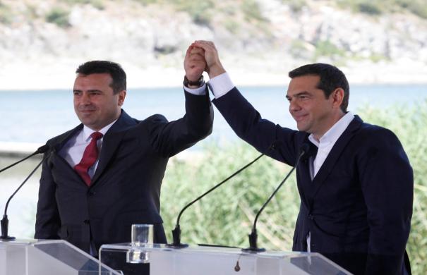 Αλέξης Τσίπρας και Ζόραν Ζάεφ και επισήμως υποψήφιοι για το Νόμπελ Ειρήνης