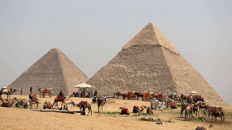 Ένταση ανάμεσα σε Βρετανία και Αίγυπτο για μία πέτρα από τη Μεγάλη Πυραμίδα