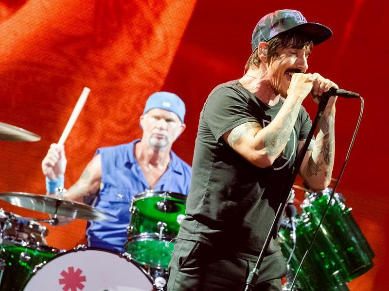 Οι Red Hot Chili Peppers θα δώσουν συναυλία στις Πυραμίδες της Γκίζας