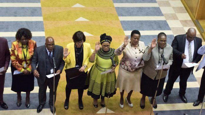 Νότια Αφρική: Πρώτη φορά οι μισοί υπουργοί της κυβέρνησης είναι γυναίκες!
