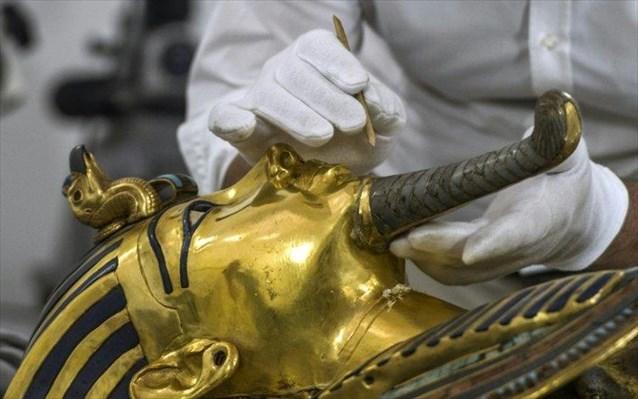 Αίγυπτος: Η επίχρυση σαρκοφάγος του Τουταγχαμών συντηρείται για πρώτη φορά