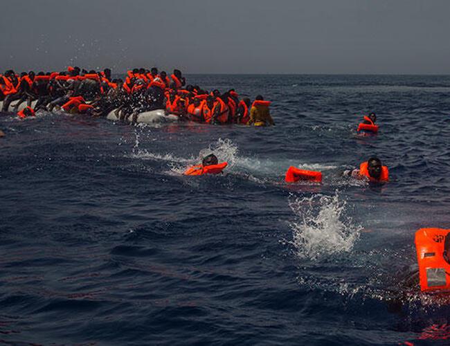 Νέο ναυάγιο πλοιάριου με μετανάστες ανοιχτά της Λιβύης – Φόβοι για πάνω από 100 νεκρούς
