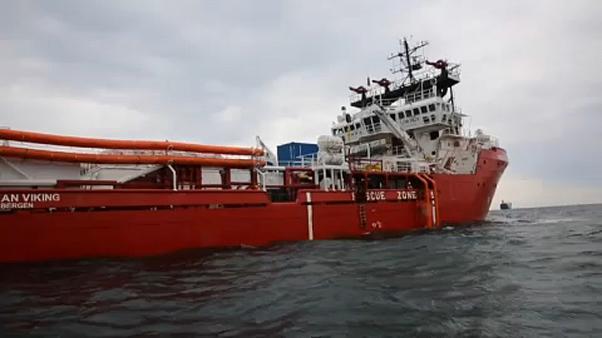 SOS εκπέμπει στη Μεσόγειο το Ocean Viking, με 356 πρόσφυγες, χωρίς λιμάνι για 13 μέρες και τις προμήθειες να τελειώνουν