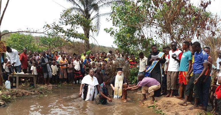 Βαπτίσεις στην Ιερά Μητρόπολη Κανάγκας