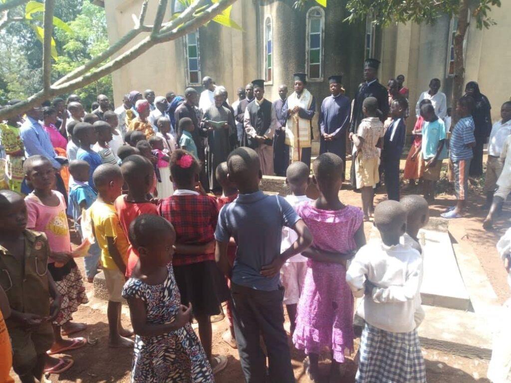 Τις κατασκηνώσεις στην Ουγκάντα επισκέφθηκε ο Επισκ. Γκούλου