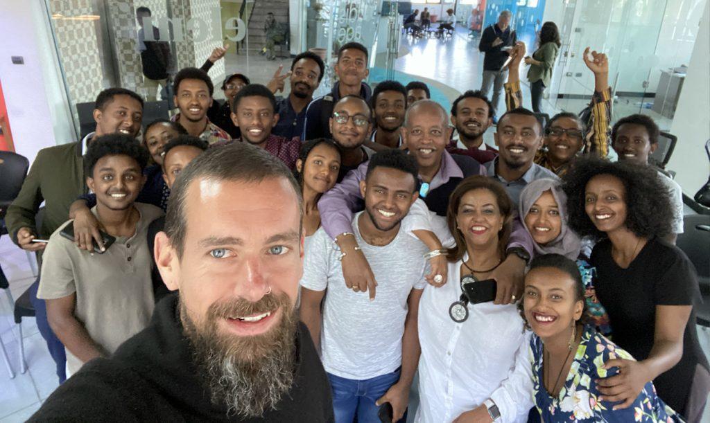 Ο ιδρυτής του Twitter βαρέθηκε την Δύση και την κάνει για… Αφρική