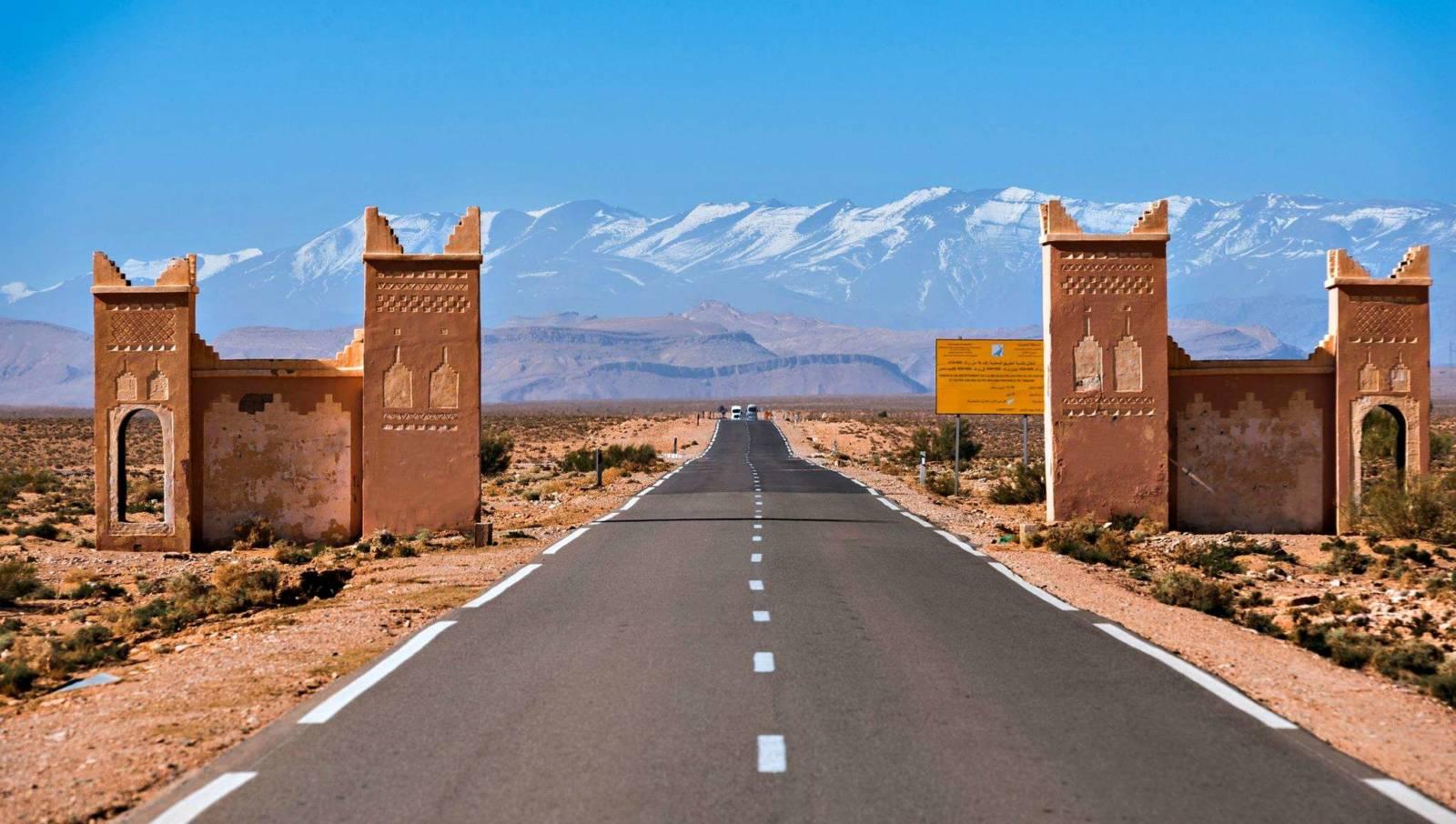 Στις εξωτικές πόλεις, τις ερήμους και τα βουνά του Μαρόκου