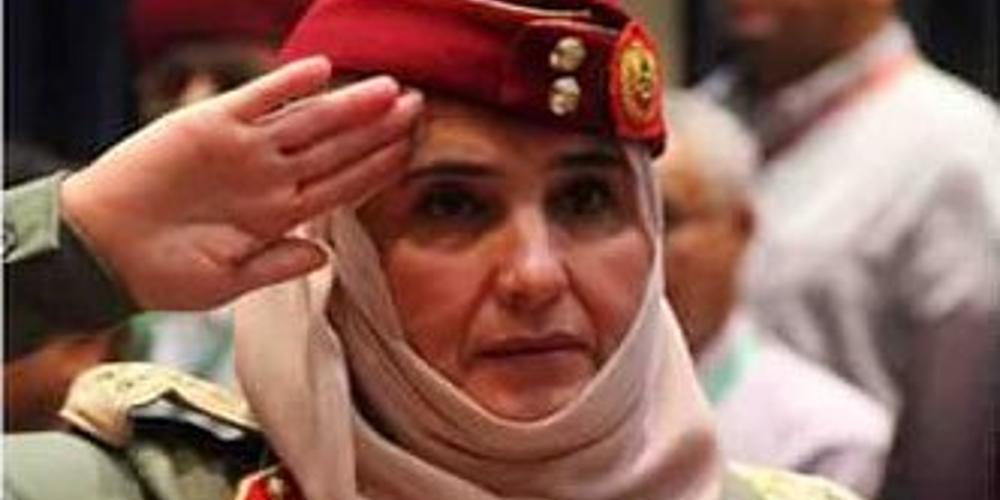 Η γυναίκα ανώτατη στρατηγός στη Λιβύη που είναι το δεξί χέρι του Χαφτάρ