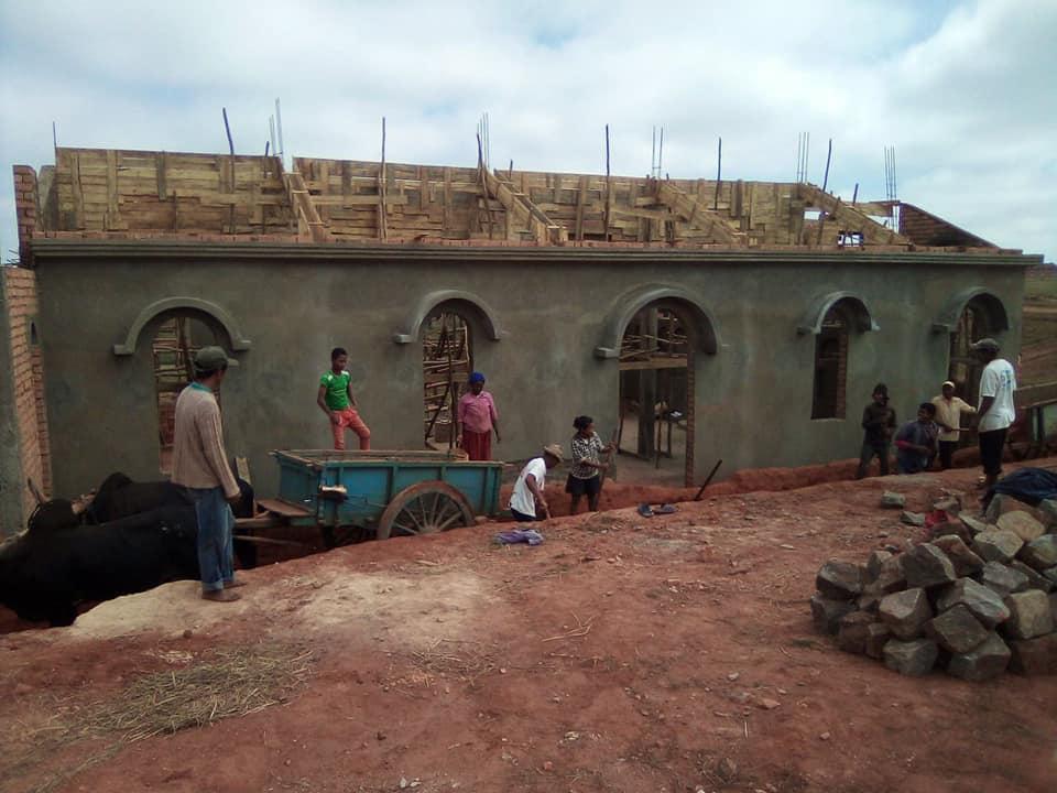Ολοκληρώνεται ο ναός της Αγίας Φωτεινής στη Μαδαγασκάρη