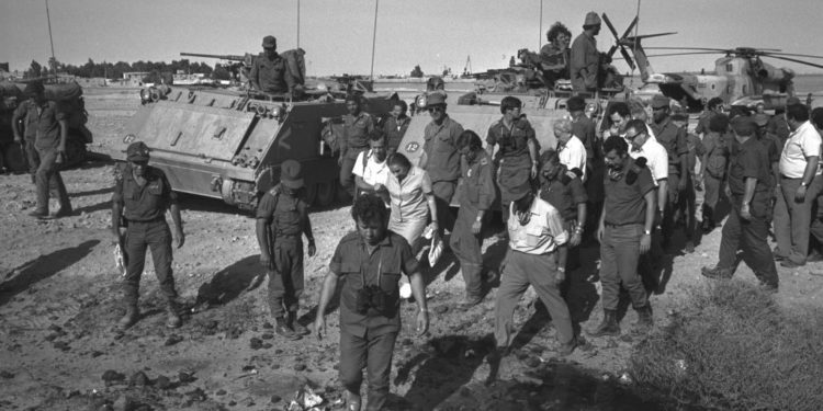 Γιόμ Κιπούρ: Ο πόλεμος που σημάδεψε τη Μ. Ανατολή! Το Ισραήλ, η Αίγυπτος και τα κανόνια… νερού