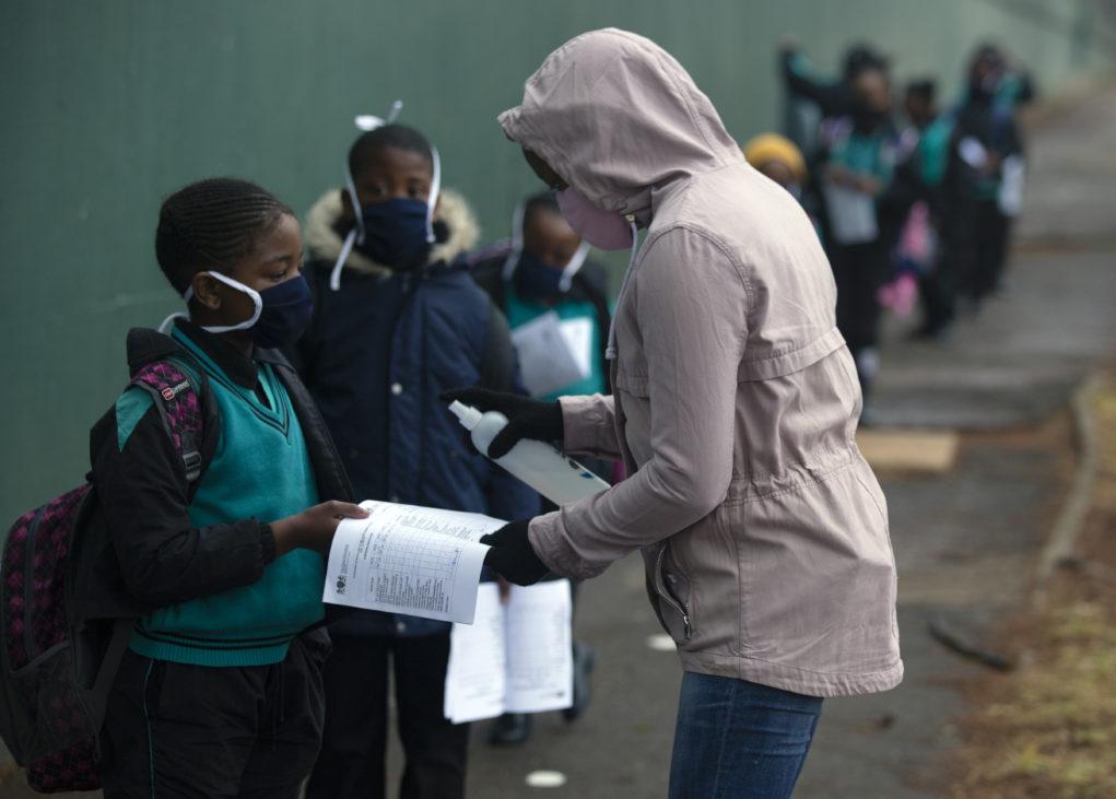 Π.Ο.Υ: Συναγερμός στην Αφρική για μαζική και βίαιη αύξηση των κρουσμάτων της πανδημίας