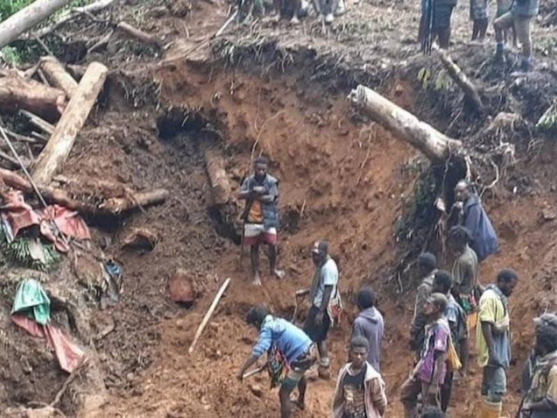 Γουινέα: Τουλάχιστον 15 νεκροί από κατολίσθηση σε ορυχείο