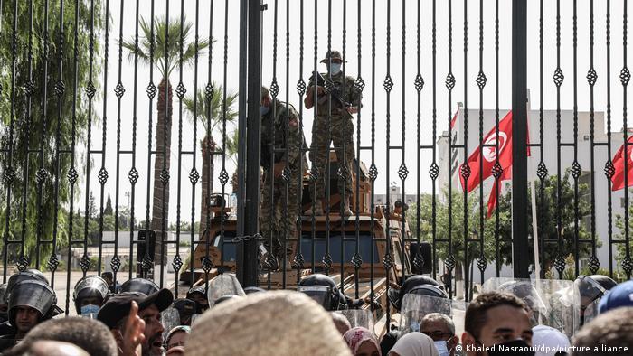Τυνησία: Το ιστορικό μιας βαθιάς κρίσης